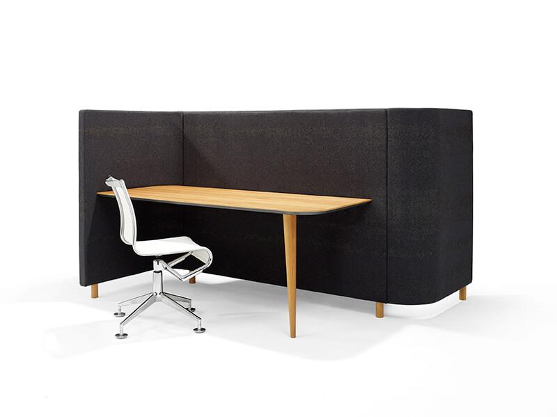 SVING04 SVING05 Red Stitch Olav de Boer innovatief meubel loungebank overlegplek bureaustoel 1 poots wandtafel hout zwart werkplek