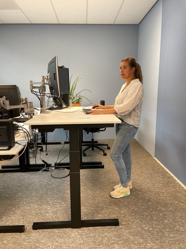 Nieuw ergonomisch verantwoord werkplekmeubilair voor ENRGY