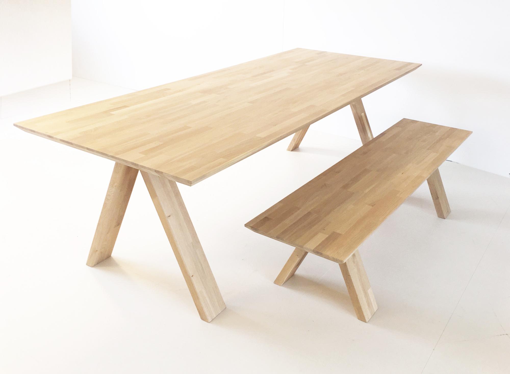 A line Dutchglobe massief houten tafel